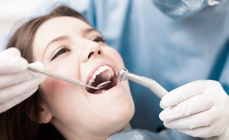 Visste du at din tannlege kan sjekke deg for munnkreft?